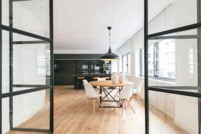 Отремонтированная квартира с великолепным дизайном в спокойном районе Барселоны